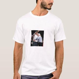 McCain Umarmung: Der Irak, 100 Jahre T-Shirt