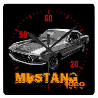 Mechanischer Power des Mustangs Quadratische Wanduhr