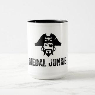 Medaillen-Junkie-Schale Tasse