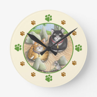 Meditierende Katzen-Zen-runde (mittlere) Wanduhr