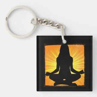 Meditierendes Frauen-OM-Symbol-Yoga Keychain Schlüsselanhänger