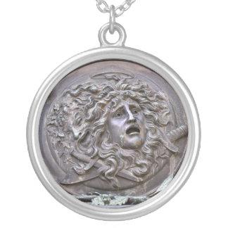 Medusa-Schild von Athene Versilberte Kette