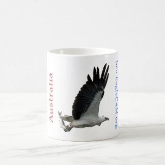 Meer-Eagle mit der Fisch-Tasse Tasse