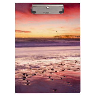 Meerblick und Pier am Sonnenuntergang, CA