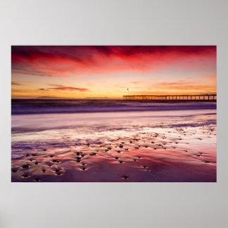 Meerblick und Pier am Sonnenuntergang, CA Poster