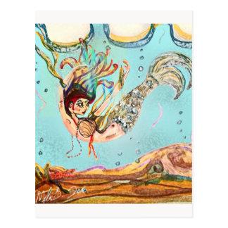 Meerjungfrau führt durch postkarte