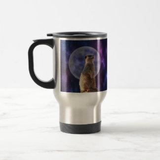 Meerkat auf blauer Mondschein-Nachtwache, Reisebecher