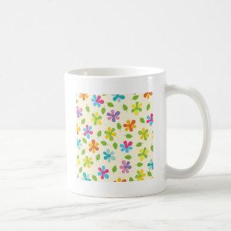Mehrfarbige Gänseblümchen und Blätter-BlumenFoto Tasse