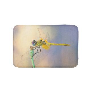 Mehrfarbige Libelle Badematte