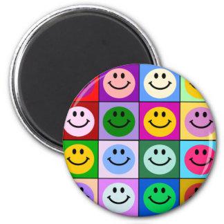Mehrfarbige smiley-Quadrate Runder Magnet 5,7 Cm