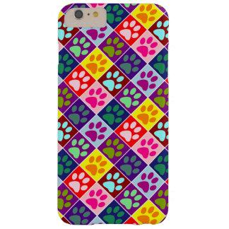 Mehrfarbige Tatzen in den mehrfarbigen Quadraten Barely There iPhone 6 Plus Hülle