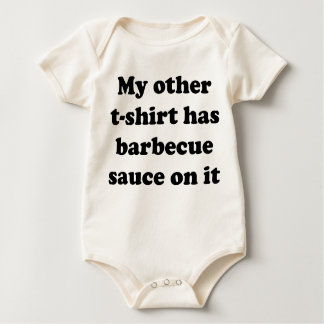 Mein anderer T - Shirt hat Barbecue-Soße auf ihm