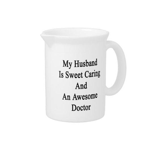 Mein Ehemann ist sich kümmerte und ein Getränke Krüge