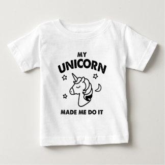 Mein Einhorn ließ mich es tun Baby T-shirt
