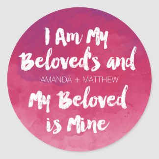 Mein geliebtes ist meins personalisierter rosa runder aufkleber