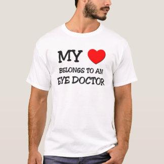 Mein Herz gehört einem AUGENARZT T-Shirt
