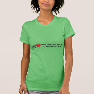 Mein Herz gehört einem Bowhunter T-Shirt