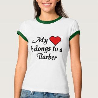 Mein Herz gehört einem Friseur T-Shirt