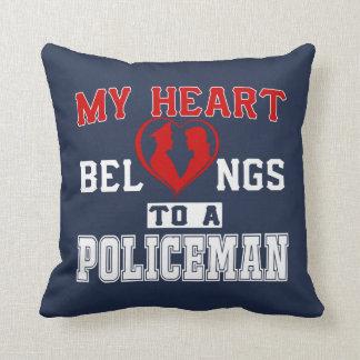Mein Herz gehört einem Polizisten Kissen