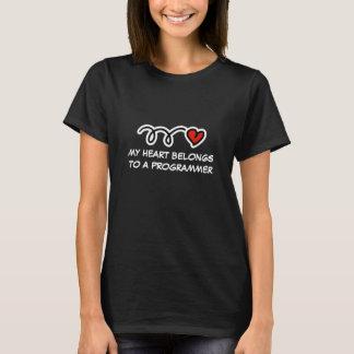 Mein Herz gehört einem Programmierer | T-Shirt