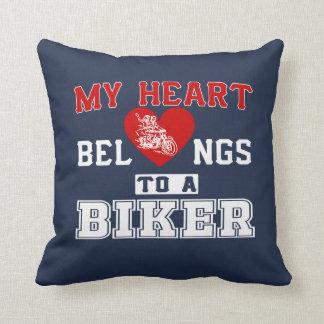 Mein Herz gehört einem Radfahrer Kissen