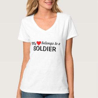 Mein Herz gehört einem Soldaten T-Shirt