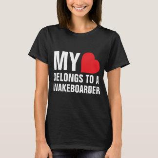 Mein Herz gehört einem Wakeboarder T-Shirt