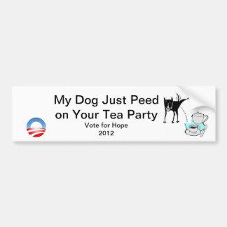 Mein Hund pinkelte gerade auf Ihrem Tee-Party Autoaufkleber