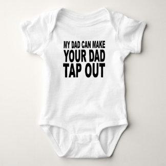 Mein Vati kann Ihren Vati heraus anstechen lassen Baby Strampler