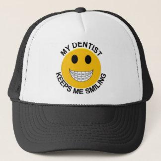 Mein Zahnarzt behält mich lächelnder Truckerkappe