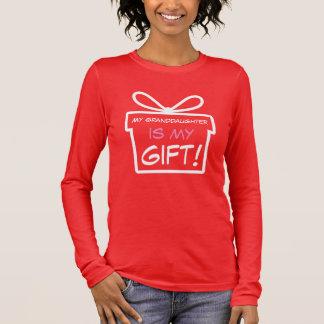 Meine Enkelin ist mein Geschenk Langarm T-Shirt