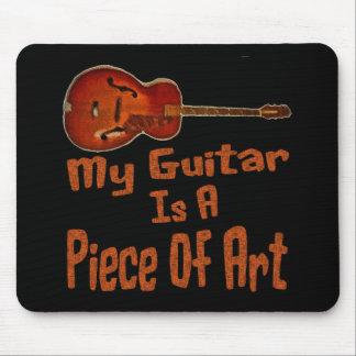 Meine Gitarre ist ein Kunstwerk Mousepads