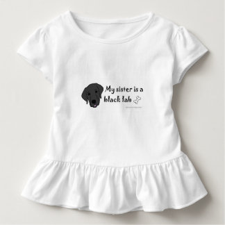 """meine Schwester ist eine """"Hundezucht """" Kleinkind T-shirt"""