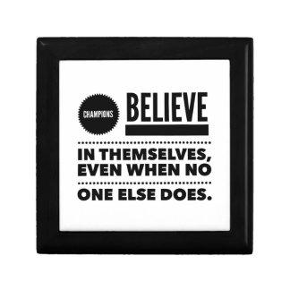 Meister glauben an selbst, selbst wenn niemand erinnerungskiste