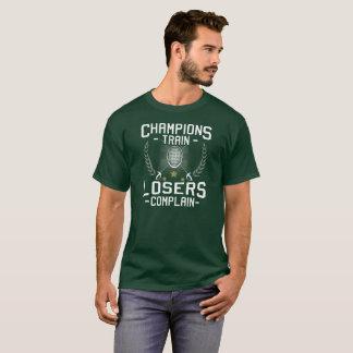 MEISTER-ZUG-VERLIERER BESCHWEREN SICH - FECHTEND T-Shirt