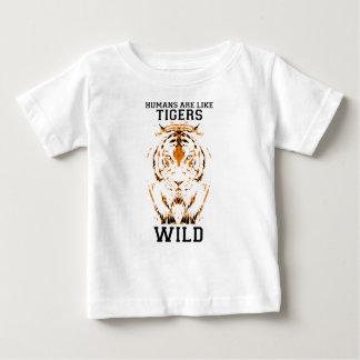 Menschen sind wie die Tiger, wild Baby T-shirt