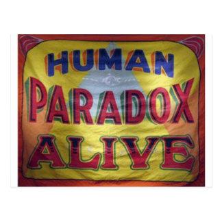 Menschliches Paradox lebendig Postkarte