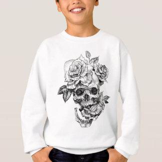 Menschliches Zeichnen des Schädels und schwarzes Sweatshirt