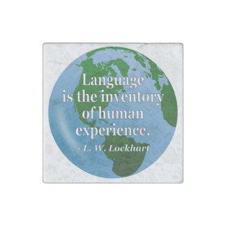 Menschliches Zitat Erfahrung des Sprachinventars. Steinmagnet