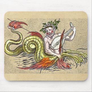 Merman, der einen mittelalterlichen Lyre spielt Mousepad