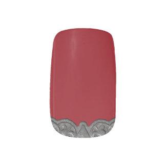 Metall aufgehobene Spitzen auf Rot Minx Nagelkunst