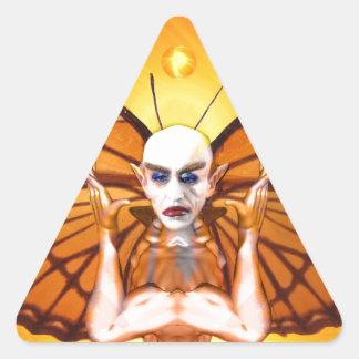 Metamorphose von Nosferatu Dreieckiger Aufkleber