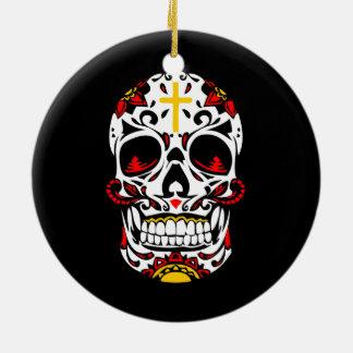 Mexikanischer Zuckerschädel-christliches Kreuz auf Keramik Ornament