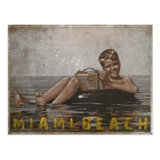 Miami- Beachpostkarte mit coolem Vintagem Typ Postkarte
