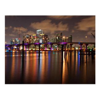Miami-Skyline nachts - Postkarte