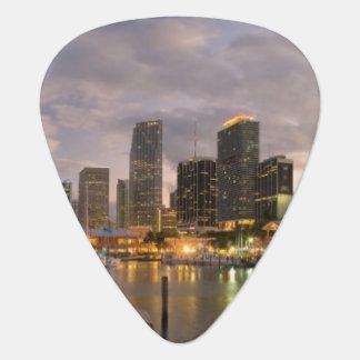 MiamifinanzSkyline an der Dämmerung Plektron