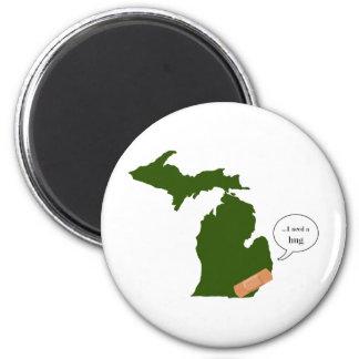 Michigan benötigt eine Umarmung Runder Magnet 5,7 Cm
