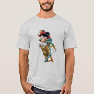 Mickey Mouse-Feuerwehrmann auf Leiter T-Shirt
