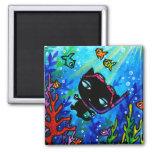 Miezekatze-Spulen-Schwimmen mit dem Fisch-Katzen-M Magnets