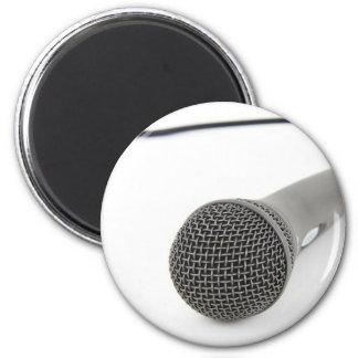 Mikrofon- Gespräch zu mir Runder Magnet 5,7 Cm